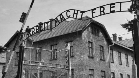 auschwitz-cancello