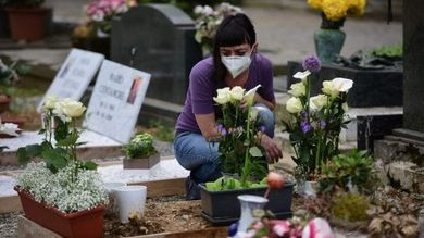 mascherina cimitero